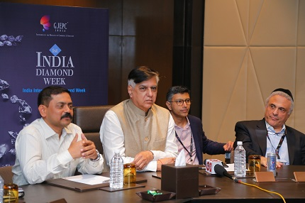 Sabyasachi Ray (ED, GJEPC), Praveenshankar Pandya (Chairman, GJEPC) and Reuven Kaufman (Diamond Dealers Club, USA) at the 1st India International Diamond Week organised by GJEPC in Mumbai from 7th-9th November 2017