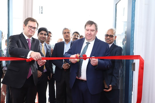 Andrei Zhilstov and  Evgeny Agureev cutting the inaugural ribbon for the 2nd Edition of Bharat Diamond Week in Mumbai
