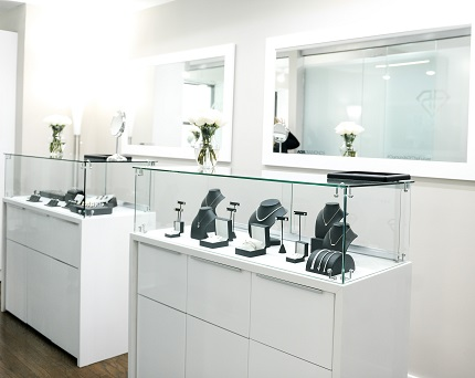 The Ada Diamonds New York Showroom features a wide selection of lab-grown custom jewelry and is located inside the Elizabeth Collective, the former Manhattan home of Elizabeth Taylor.