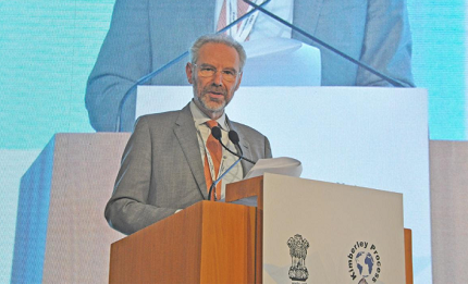 WDC President Stephane Fischler addressing the Closing Session of the 2019 Kimberley Process Plenary Meeting in New Delhi, India, on November 22.