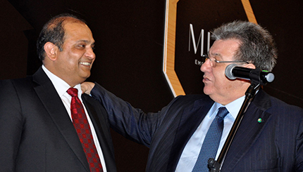 Pramod Kumar Agrawal (left), Chairman of the Gem & Jewellery Export Promotion Council (GJEPC), together with CIBJO President Gaetano Cavalieri, during last year's CIBJO Congress in Bogotá, Colombia.
